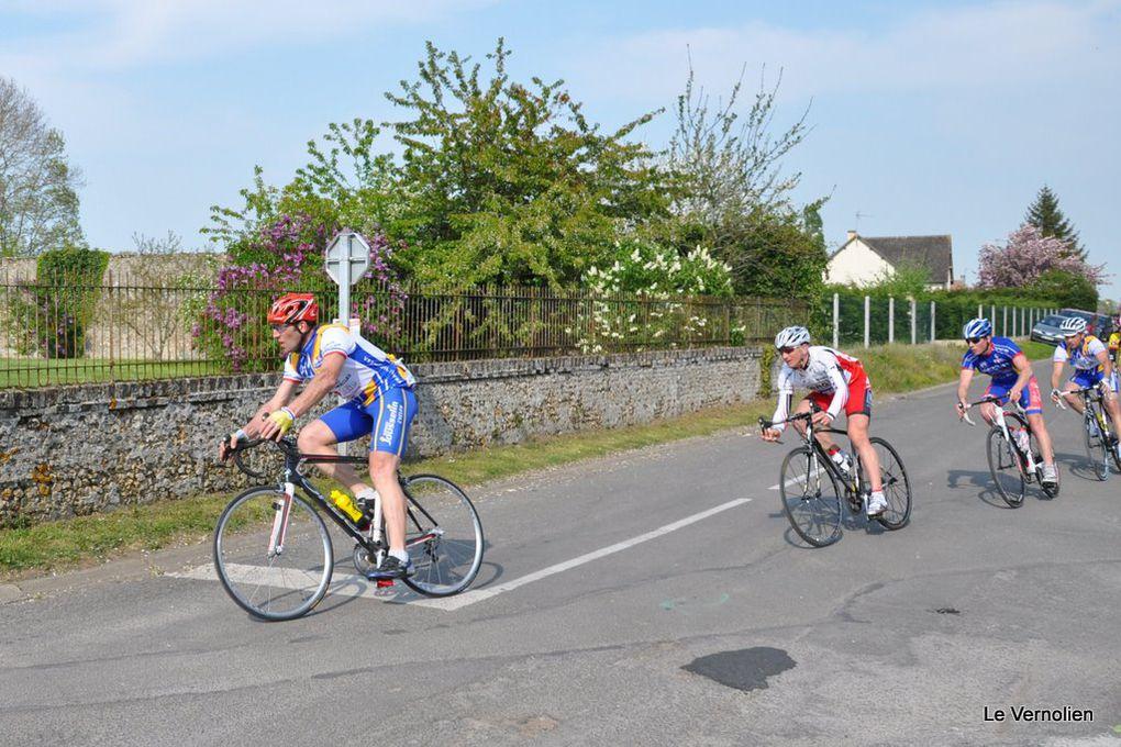 Course UFOLEP à Mandres organisée par le Stade VERNOLIEN Cyclisme