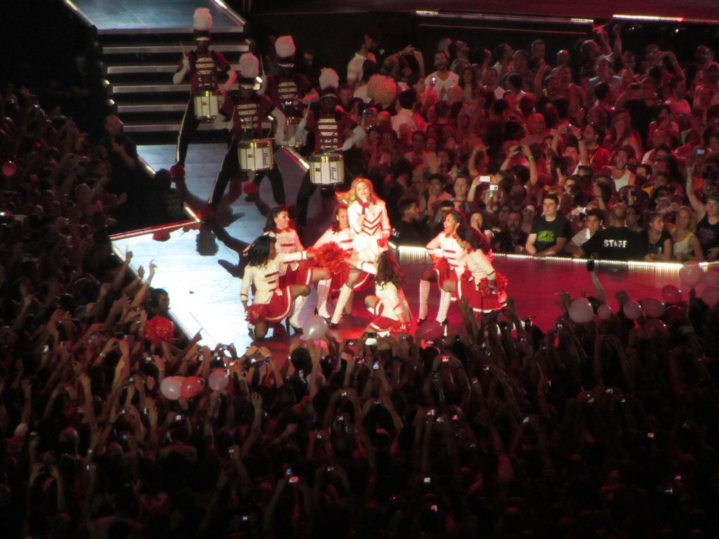 Photos by Ultimate Concert Experience from Palau Sant Jordi in Barcelona, Spain - June 21, 2012.Special thanks to Dirk.