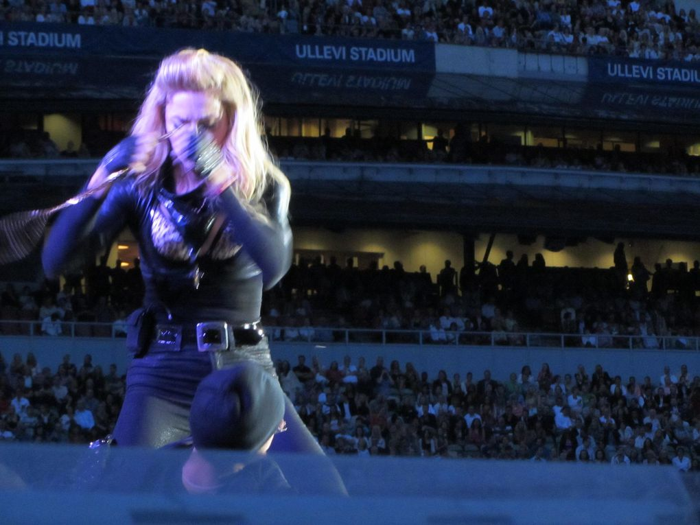 Photos by Ultimate Concert Experience from Ullevi Stadium in Gothenburg, Sweden - July 04, 2012.Including soundcheck.Special thanks to Dirk.