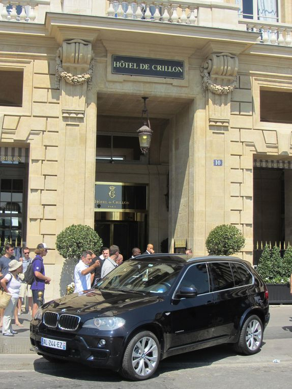 Photos by Ultimate Concert Experience from L'Olympia in Paris, France - July 26, 2012.