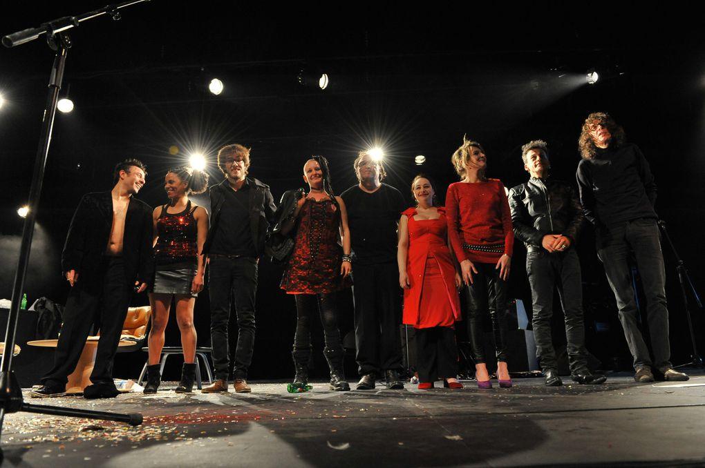 performance scénique ...avec nadege prugnard , Mélisa Noël, Juliette Uebesrsefeld, LO, Jean-Louis Coulloc'h, Géraur Bastar, Bélaïd Boudellal, Adam Wood ...et le Musicien Jean François Pauvros ( 2012) photos Daniel Aimé