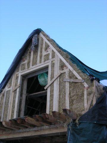 Quelques photos de la mise en place de la lisse basse, et rez de chaussée, des fenêtres et de l'encuvement