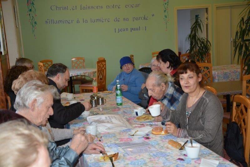 Notre Dame de la Gardeen famille et avec la famille franciscaine