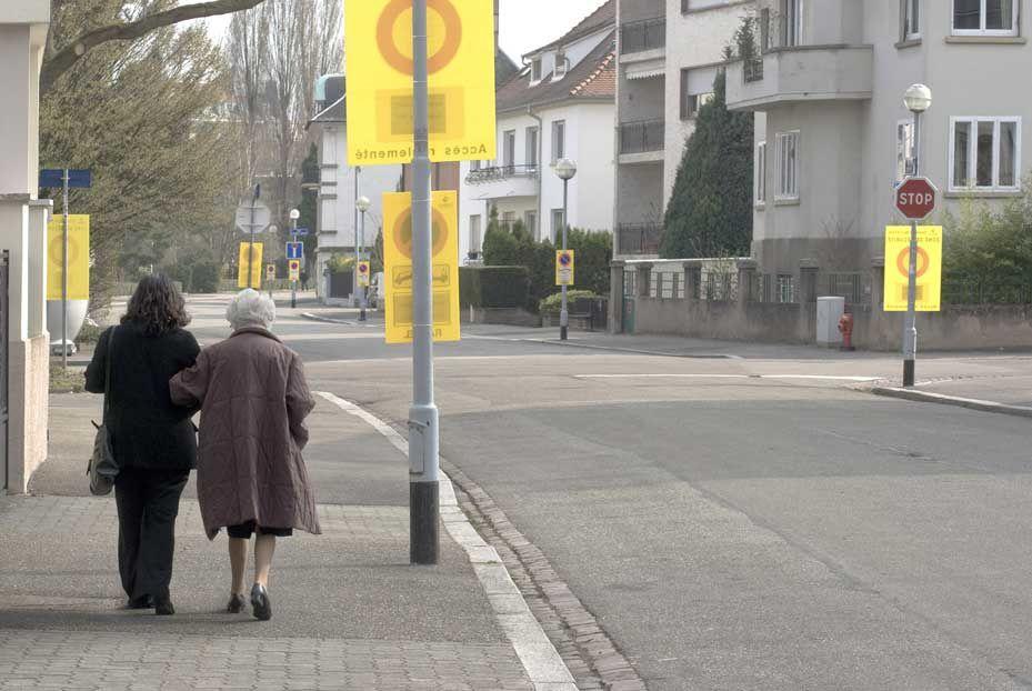 1er-5 avril 2009 : Strasbourg en état de siège. Le sommet de l'OTAN réunit plusieurs chefs d'Etat dans la capitale alsacienne. Conséquences sur les habitants : contrôles et hypersurveillance renforcés. Reportage  : © Vincent Hanrion