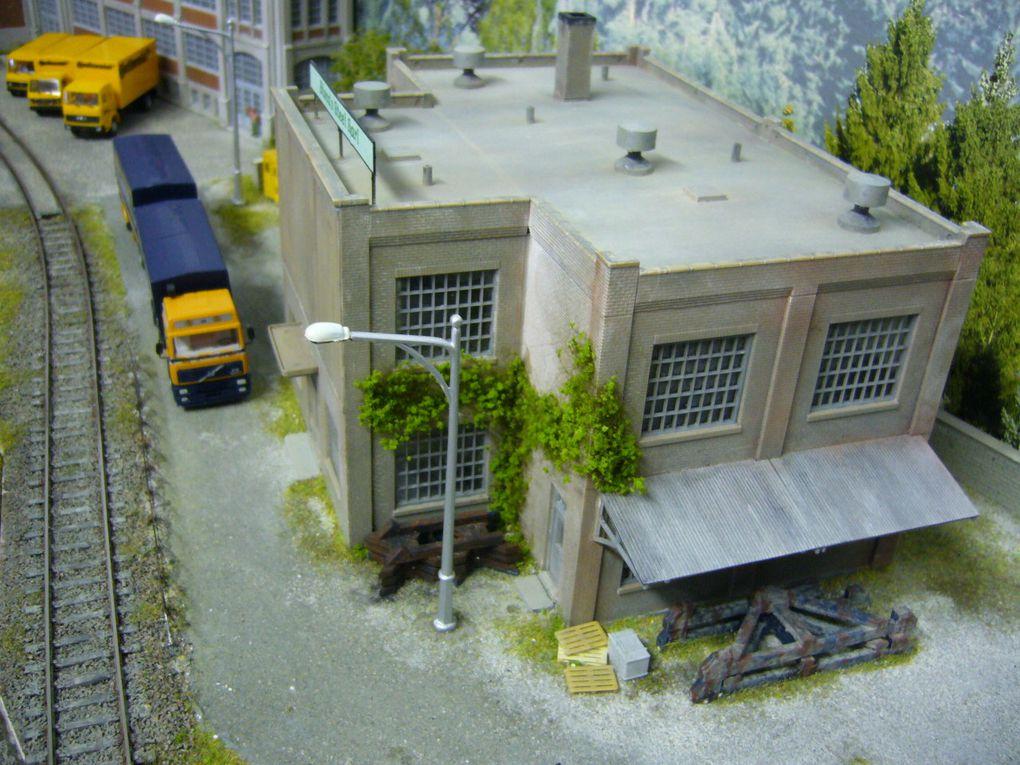 module 3 abritant l'usine Continental et un bâtiment désafecté Bisca's steel Sarl