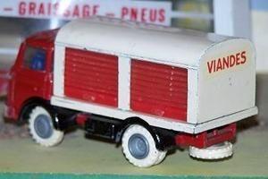 ici vous trouverez mon diorama, et les photos de mes miniatures, d'origine, remises en état, ou transformées, ainsi que celles d'autres collectionneurs trouvées sur le net.