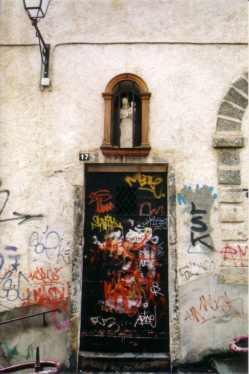 grafites que percorrem caminhos e países diferentes.