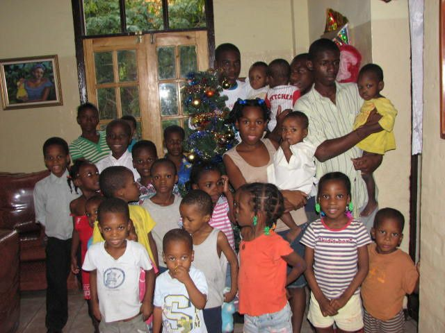 Les enfants ont reçu leurs cadeaux de Noël.