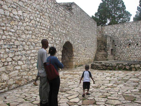 Souvenirs d'un séjour en Haïti. Février 2007. Merci aux Haïtiens si accueillants, si humbles et si ouverts aux autres.