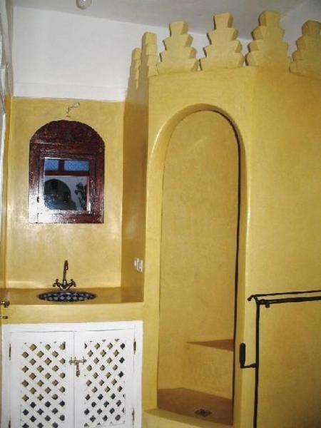 Petite maison dans un quartier tranquille de la Médina de Marrakech. A 10 minutes à pied de la Place Jamaa el F'naa