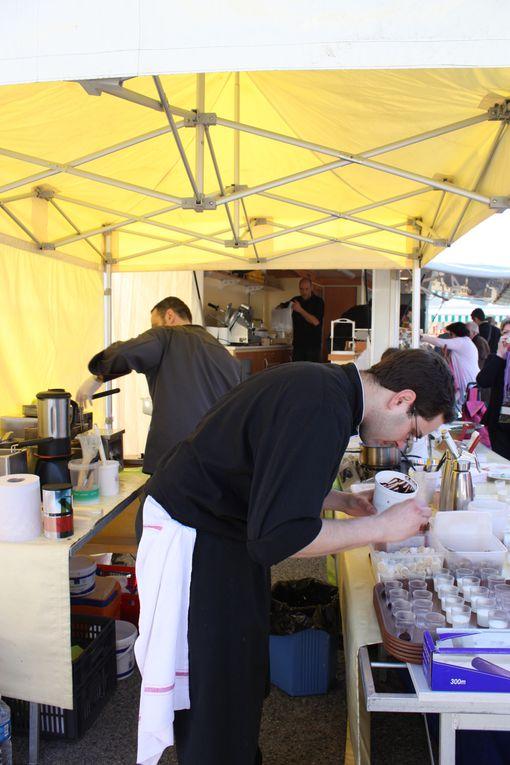 le samedi 10/4/2010, présence des Chefs Grégory GERARD restaurant LES OLIVIERS, et de ROMAIN POUZADOUX, du restaurant L'IMAGINAIRE à Brest, pour une dégustation autour du fromage.