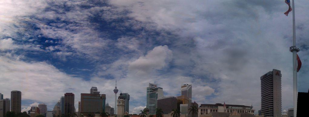 Photos de la capitale Kuala Lumpur, et du nord du pays, l'île de Langkawi. Mai 2011.