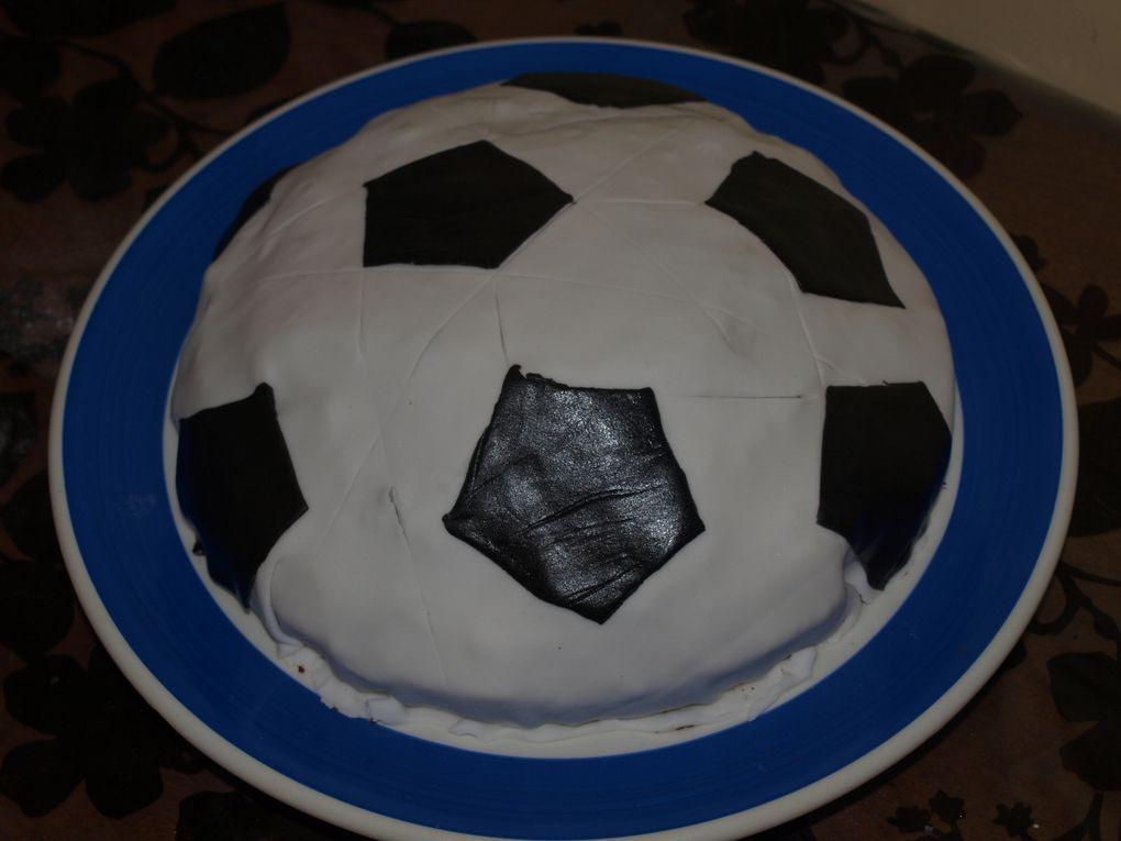 Je me suis récemment lancée dans la déco de gâteaux...