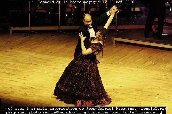 """Spectacle """"Léonard et la boîte magique"""" avec l'orchestre d'harmonie de Lencloître.Pour commande de photos, l'adresse est dessus.Autres clichés disponibles"""