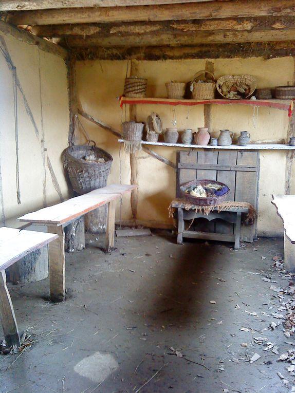 Construction d'un chateau à l'ancienne dans l'yonne (Treigny 89)- Début du chantier 1999 + Moulin de Migé 89
