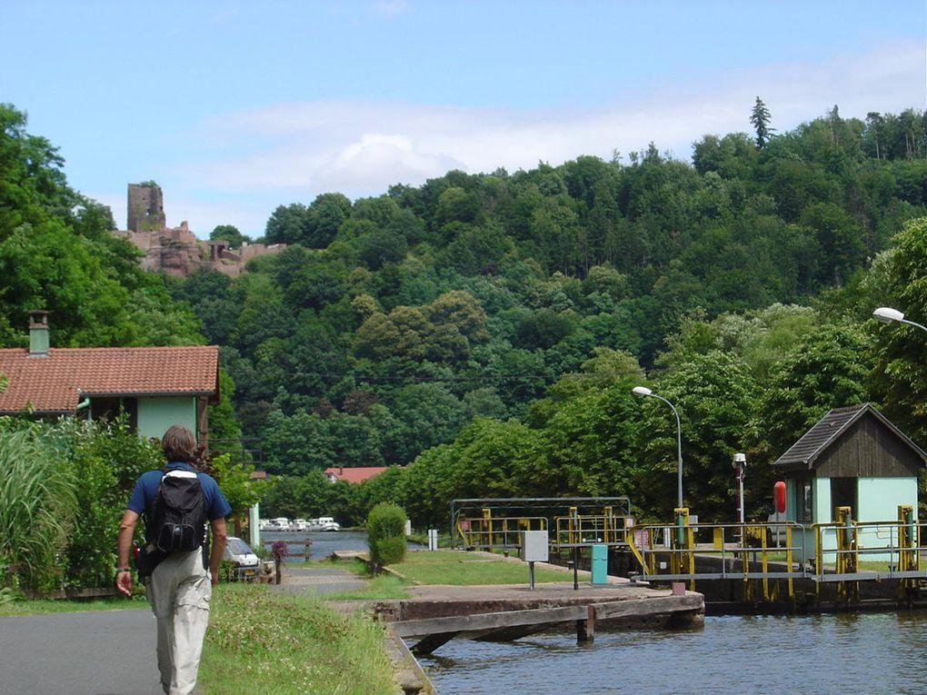 La vallée de la Zorn entre Saverne et Lutzelbourg, côté forêt et côté canal.