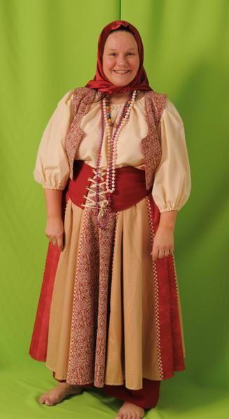 Plus de 1200 costumes en boutique. Voici quelques exemples de nos costumes, visitez nous pour voir les autres modèles.