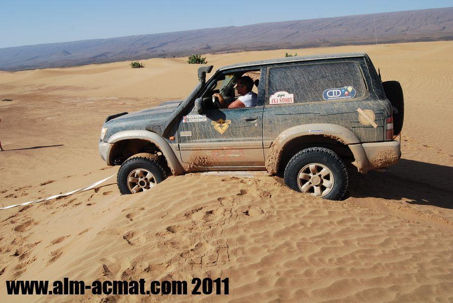 Raid au Maroc organisé par LATITUDEVASION avec 2 ACMAT et une super ambiance.