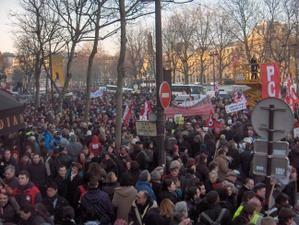 Grève interprofessionnelle et manifestation monstrueuse à Paris, de Bastille à Opéra.