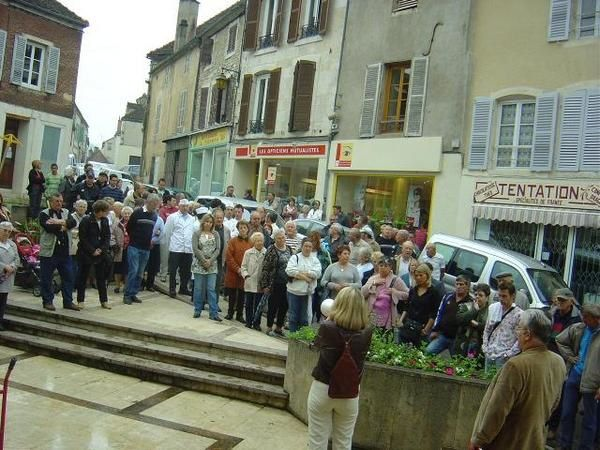 Photos du rassemblement du 31 mai 2008 contre les augmentations des 4 taxes à Montbard.