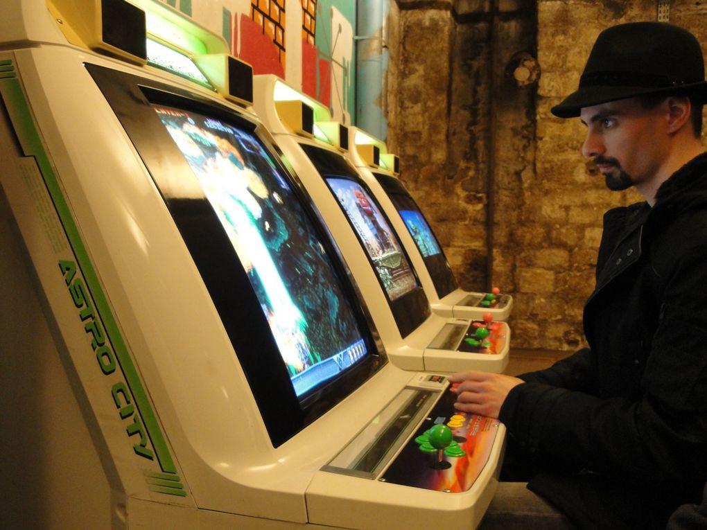 Galerie de photos de salles d'arcades françaises et de matériel arcade que l'on récupère en Bretagne avec l'association 3 Hit Combo avant de le retaper à neuf.