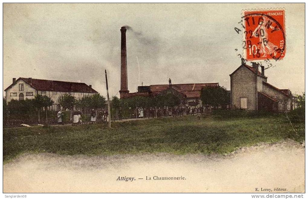 Cartes postales anciennes : gare, canal, sucrerie...