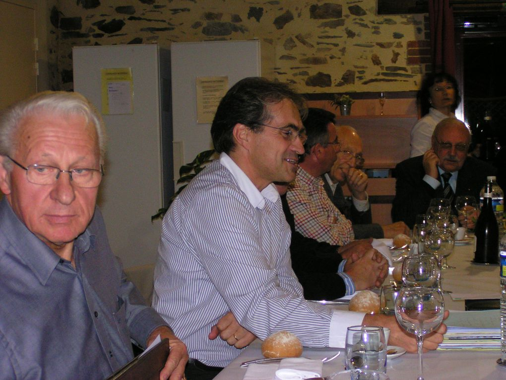 2009-remise-de-cheque-Association-Martial-Caillaud