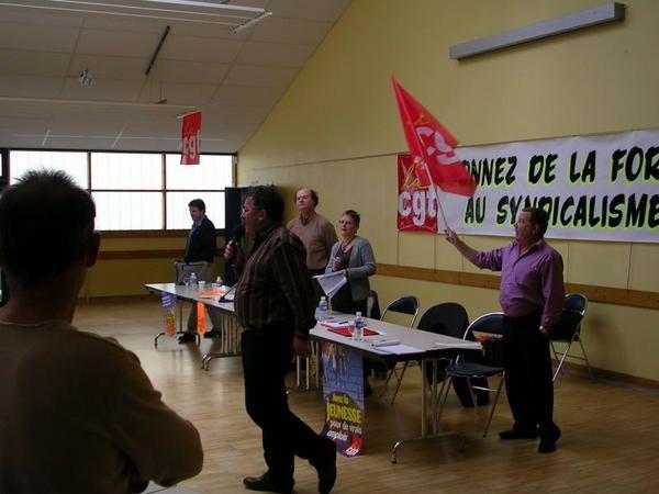 Quelques photos de ce congrès, avec les membres du collectif de Châteaulin.Une nouvelle commission exécutive motivée, avec la volonté de travailler sur le terrain pour accompagner les salariés dans les luttes, devoir de résistance de tous deva