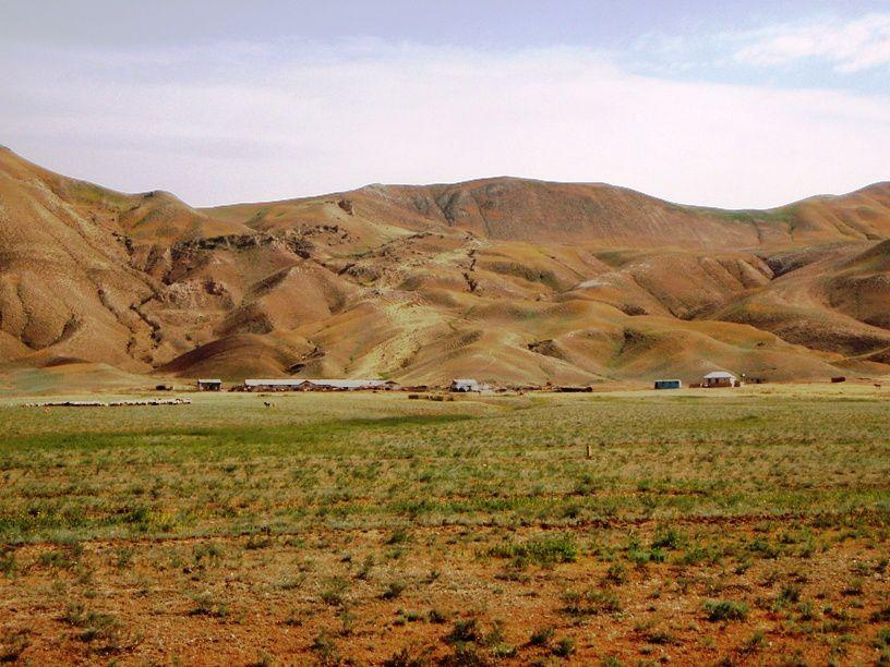De la frontiere georgienne a Bakou, le long du Caucase.