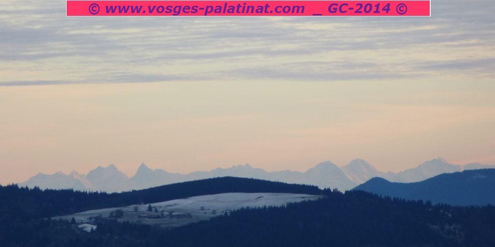 Revisite du sommet gallo-romain du Donon, le second sommet des Vosges gréseuses avec ses 1009 mètres. Il s'agit de ma toute première sortie de l'année 2014, avec en prime, une exceptionnelle vue des Alpes suisses !