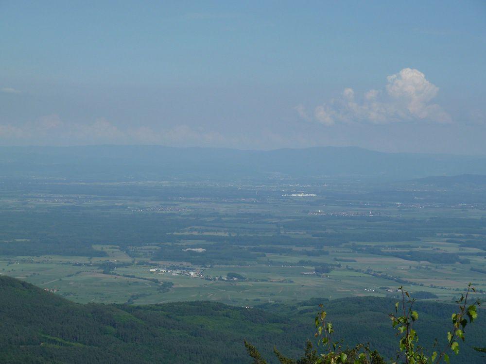 Le massif du Taennchel par temps d'orage, ça vous dit ? Voici donc mes photos exclusives ! Avec en prime, les rochers et les panoramas remarquables, de ce massif d'exception (rochers des géants et des reptiles) !