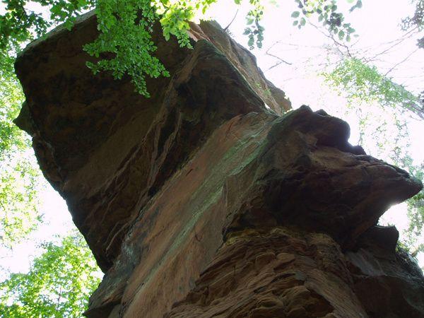 Découverte de l'un des promontoires rocheux parmi les plus isolés et sauvages, de tout le Palatinat allemand : le Schwobberg, situé entre Rumbach et Schönau !