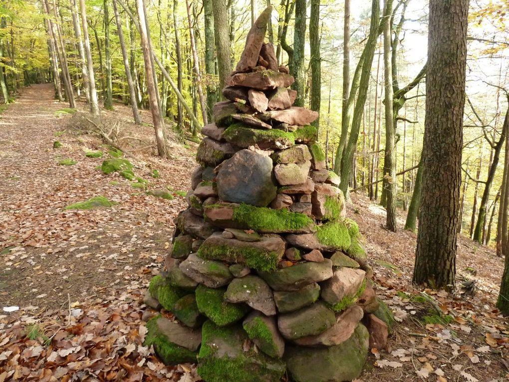 """Découverte d'un site panoramique méconnu et nouvellement réaménagé, entre Busenberg et Schindhard, dans le Palatinat allemand : le Löffelsberg (ou """" Busenberger Galgenfels """" ) !"""