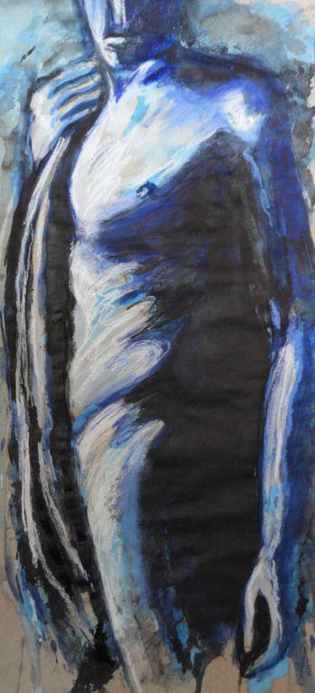 J'annonce la couleur et donne le ton...Bleus à l'âme ou bleus au corps. Variation en constraste autour d'une même teinte.