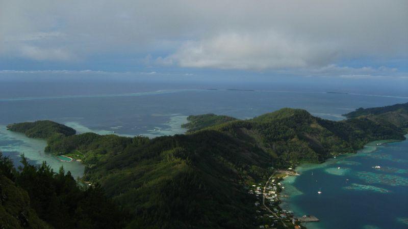 L'archipel des Gambier, le berceau du catholicisme en Polynésie.