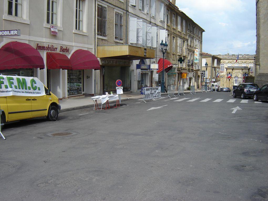 Manifestation nationale de la FFMC à l'occasion de l'appel du 18 juin.Pour le Gers, une cinquantaine de motards étaient présents.Le combat continu!!!