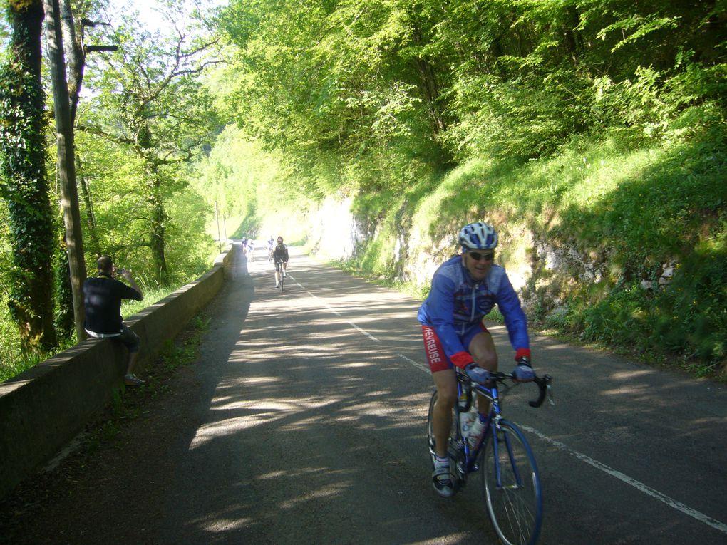 Sortie du club de Chevreuse dans le Haut Doubs, WE du 21 mai 2010.Circuit de 160 KM, Séjour à Ornans, visite des salines de Salin les bains, arrêts découverte à la source du Lison et de la Loue.