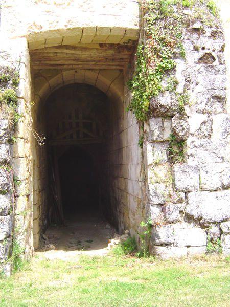 Abbaye cistercienne du XIII ème siècle, sise à St Paterne-Racan.