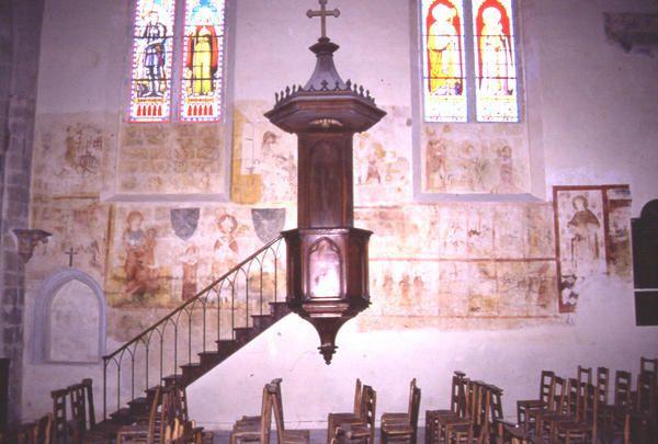 L'église classée de St Christophe, ses fresques, des statues,son architecture