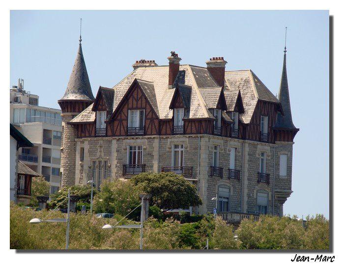 Les Landes: ses monuments,ses curiosités, ses paysages