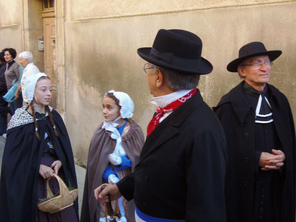 Notre belle secrétaire Claude BONNET a participé avec son beau costume !!!