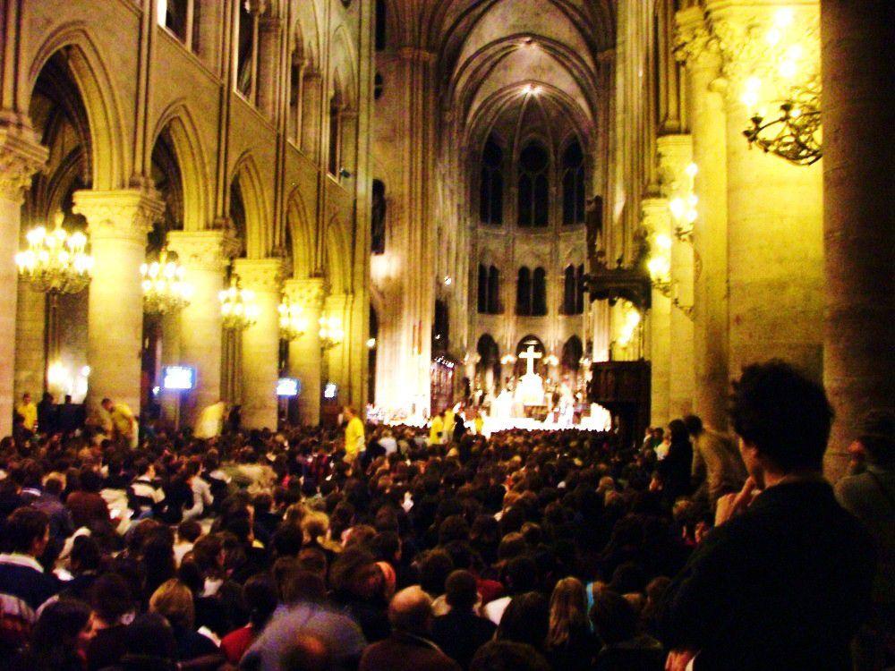 Messe du mardi 18 novembre à Notre-Dame de Paris.