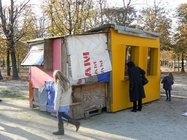 Présentation d'oeuvres de galeries d'Art dans le cadre de la FIAC 2008 au jardin des Tuileries