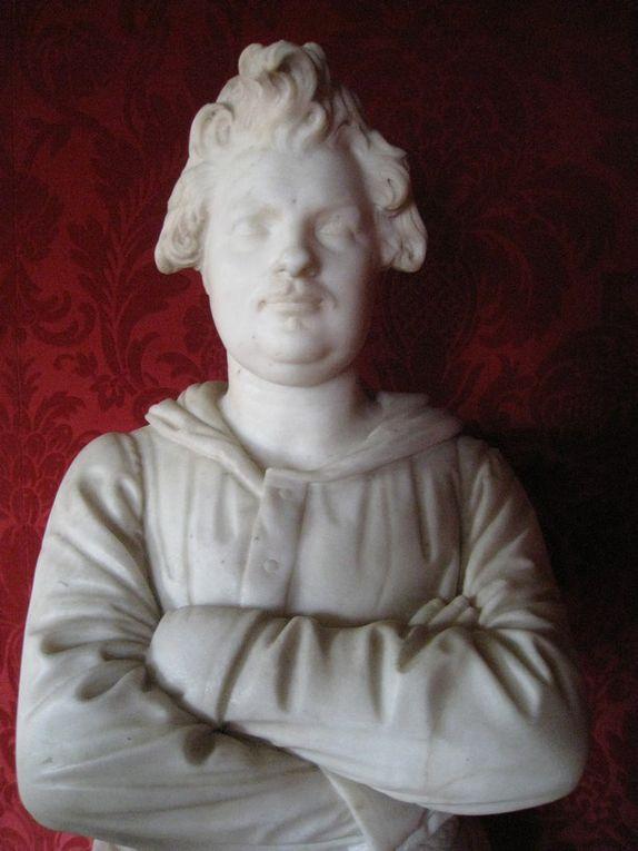 """La Maison de Balzac, au coeur de l'ancien village de Passy occupe les dépendances d'une """"folie"""" édifiée à la fin du XVIIIe siècle. Balzac y trouva refuge le 1er octobre 1840 et y resta 7 années (1ère partie)"""