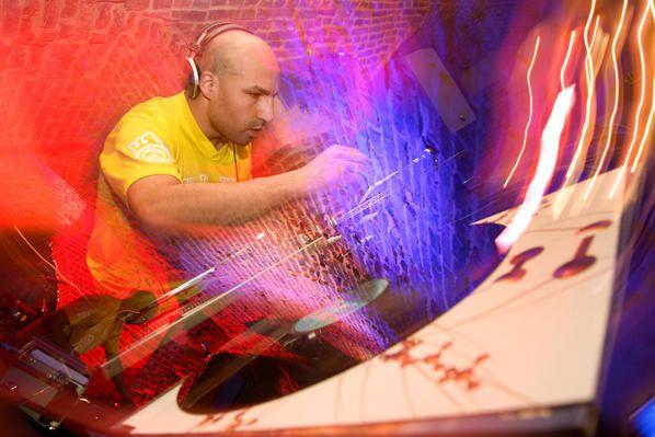 Optical Sound est né de l'union de Kinetic, un DJ ébroïcien, et de Dely, un grapher.Photos de F.Grimaud