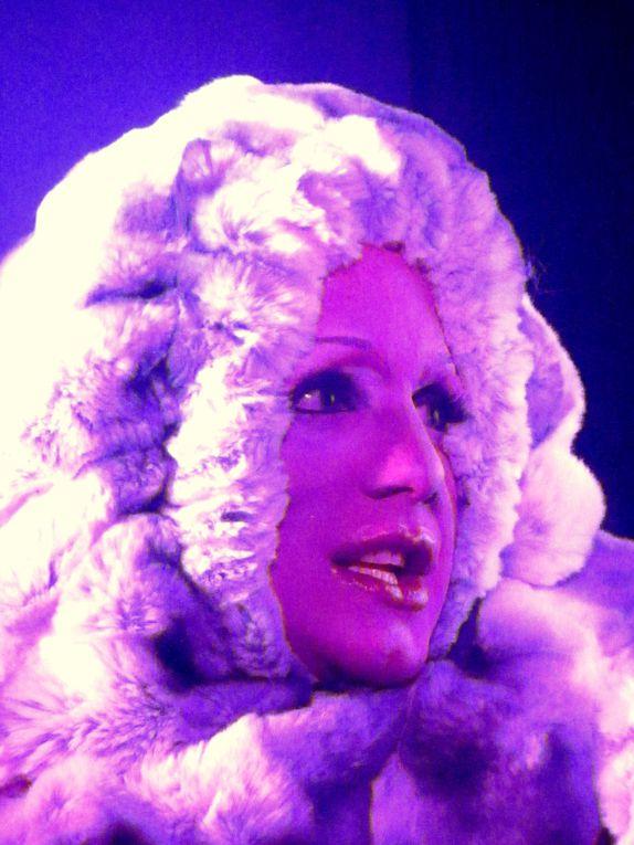 25e saison pour le CABARET L'INSOLITE à Orléans - Revue QUEL CIRQUE! à retrouver sur http://www.cabaret-linsolite.com/