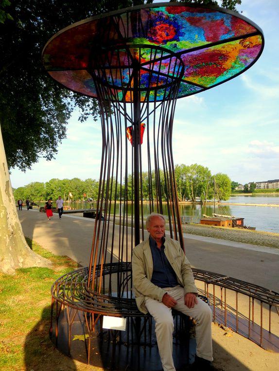 Vernissage de l'exposition à ciel ouvert en présence de SERGE GROUARD et des artistes Nicolas CROZIER, Pascal JULLIEN, Yves JUMEAU, Denis PUGNERE et Jean VINDRAS