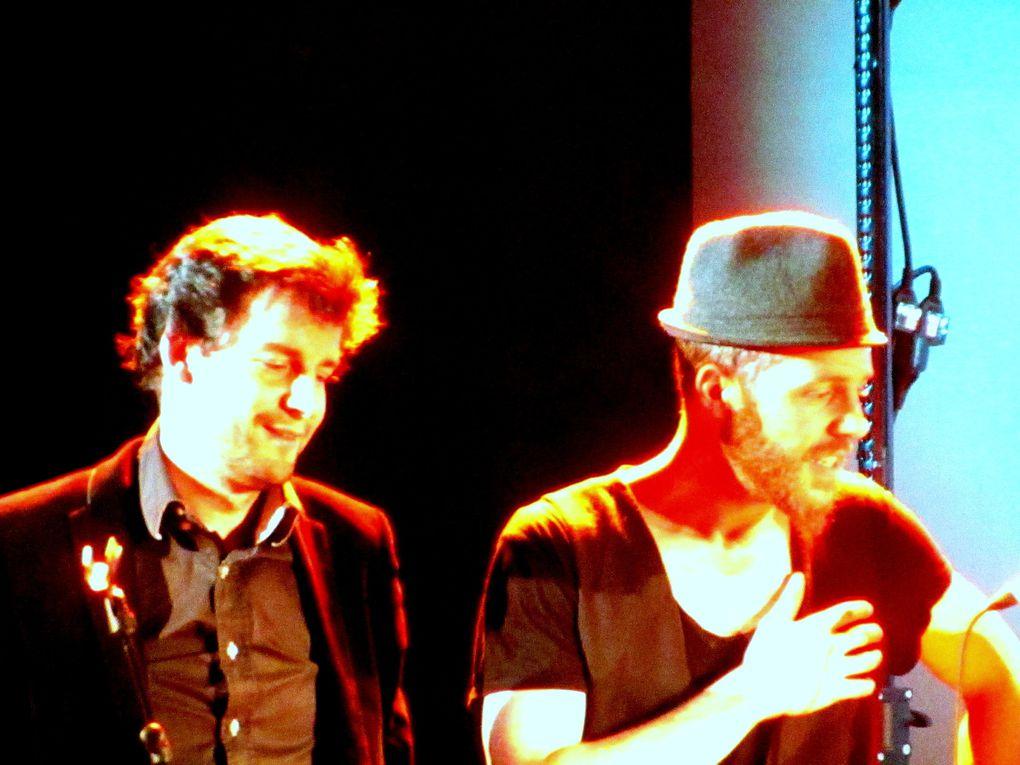 """Finale du 3ème Prix Georges Moustaki : Thierry Cadet et Matthias Vincenot ont remis à ASKEHOUG le """"Prix du Jury"""" et à 3 MINUTES SUR MER le """"Prix du Public"""". Plus d'infos sur http://www.obiwi.fr/culture/musiques/97084-askehoug-et-3-minutes-sur-mer-"""