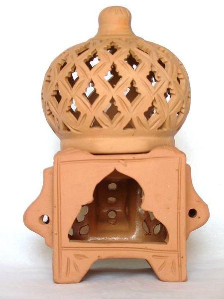 Vases, vide-poches, brûle-parfums... Donnez à votre intérieur une touche de douceur ensoleillée!