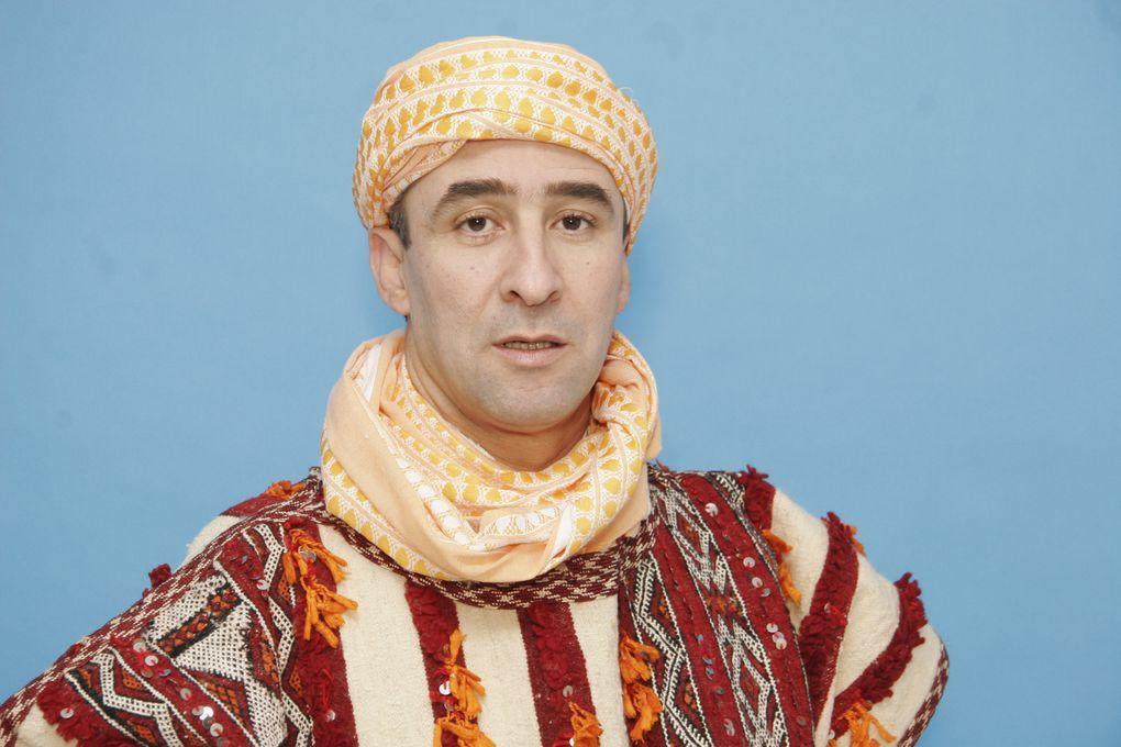 AïssaouaDes confréries religieuses, il en existe beaucoup mais les Aissaoua figurent parmi l'une des plus importantes dans le monde arabo-musulman et plus spécialement au Maroc où elle reste très populaire.Elle est directement issue de la tr